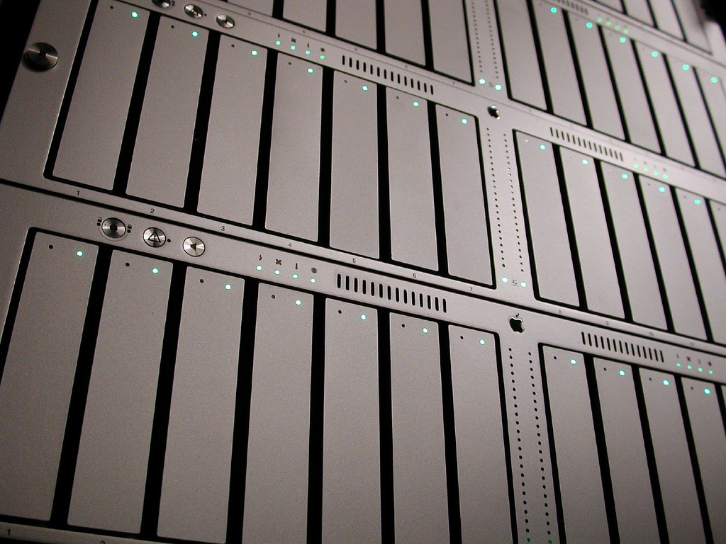 Which OS Is Best for a Dedicated Server? | ServerPronto University